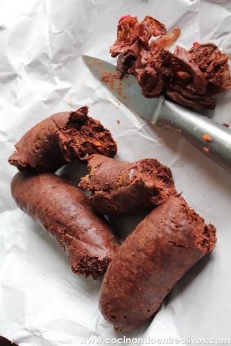 Revuelto de morcilla y garbanzos. www.cocinandoentreolivos (2)