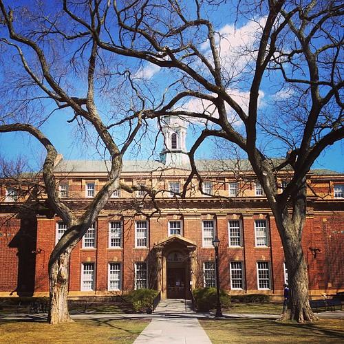 半夜尿尿po一張,晚安! Rutgers University. 哇ㄟ姑姑念的大學。 Day_002