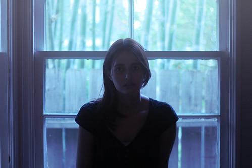 [フリー画像素材] 人物, 女性, 窓 ID:201303280600