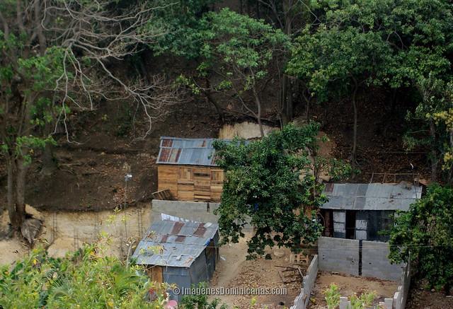 Zona Ecologica en Villa Mella invadida