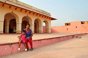 Rianna & Smita - Jai Garh Fort