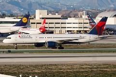 Delta Air Lines Boeing 757-212 N750AT