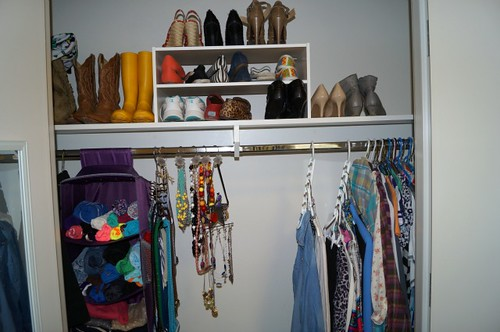 Style That Moves- How To Organize a Small Closet