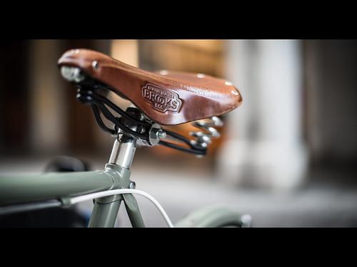 leather bike oldstyle seat brooks udine nikond800 50mmafsf14g