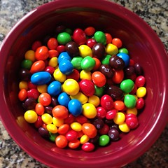 nonpareils(0.0), produce(0.0), sprinkles(0.0), dessert(0.0), candy(1.0), confectionery(1.0), food(1.0), snack food(1.0), jelly bean(1.0),