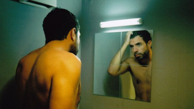 tom_cullen_in_shirtless-glooce.com
