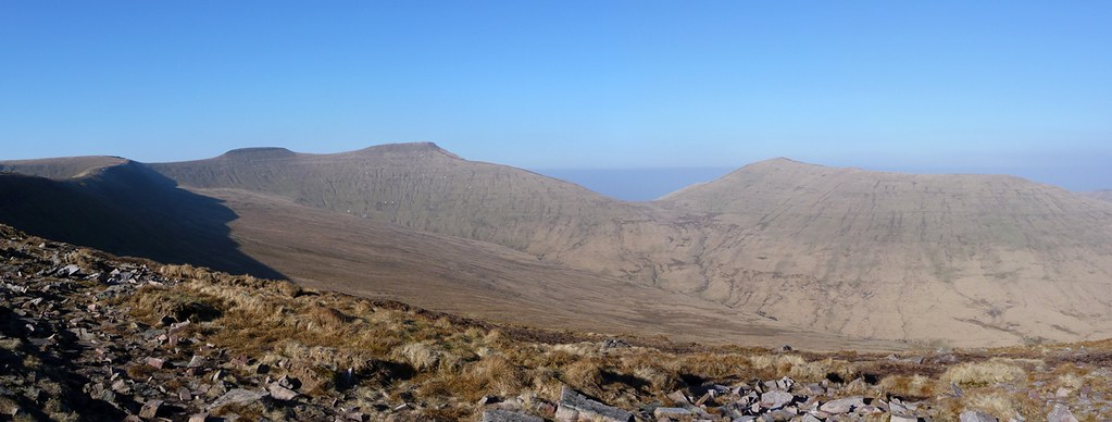 2938929353 - Pen y Fan Horseshoe
