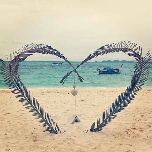 Was going to post this on Valentines Day but forgot... From Koh Lipe beach, Thailand