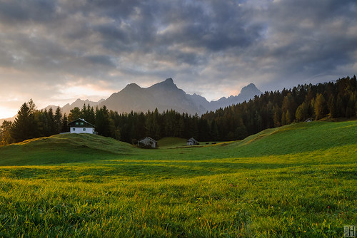 morning mountain alps sunrise landscape geotagged österreich mood cloudy passion alp bludenz aut greengrass tschengla vorarlberg morningspirit alphuts bluegreenandorange naturaltouch geo:lat=4714443351 geo:lon=975911961