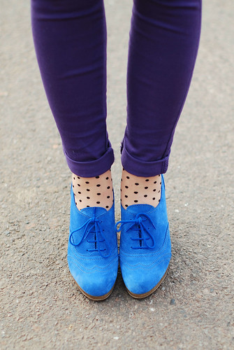 Blue suede shoes, polka dots & purple skinnies