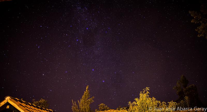 Así veo el cielo desde mi ventana [Fotografía Nocturna]