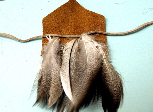 diy leather feather necklace