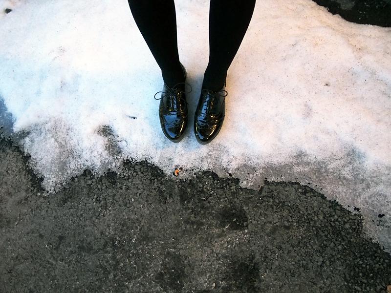 kiiltonahkaiset paksupohjaiset kengät vagabond