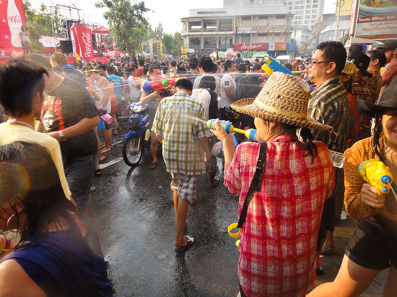 The Water-fight in Chiang Mai during Songkran_2011-25