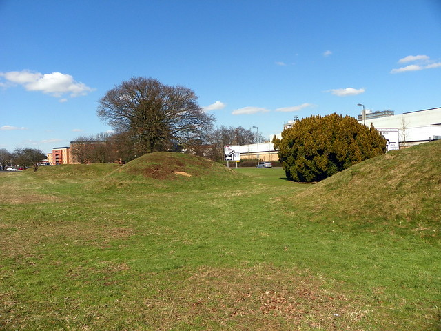 Six Hills Common