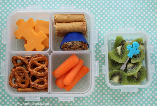 Lock & Lock box lunch - puzzle cheese & homemade granola bites