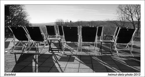 Frühling 2013: Am Johannisberg, Bielefeld (Sparrenburg am Horizont) - helmut-dietz-photo