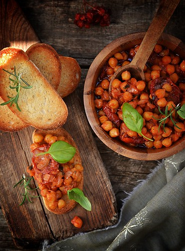 toast bread with chickpeas.11