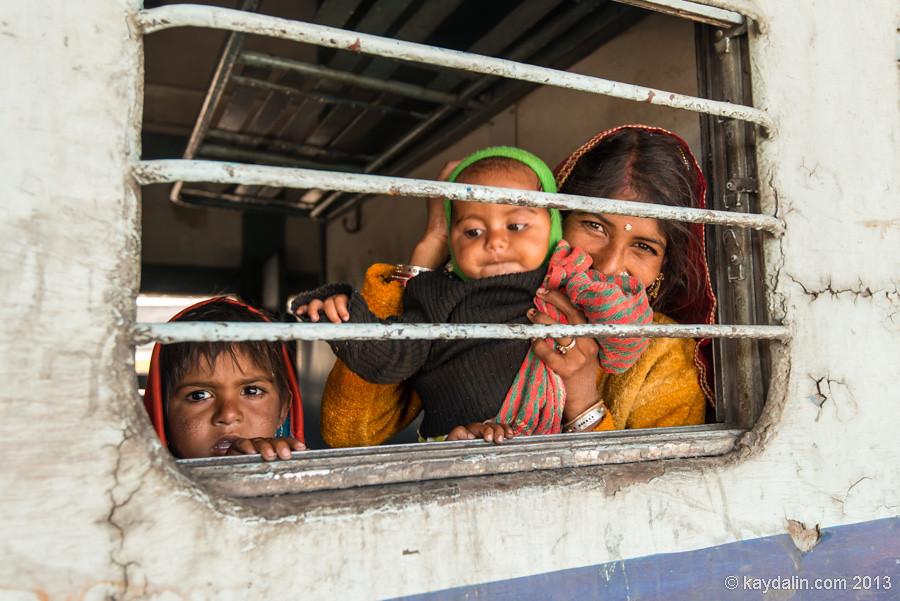 индианка с детьми, Индия, Джайсалмер