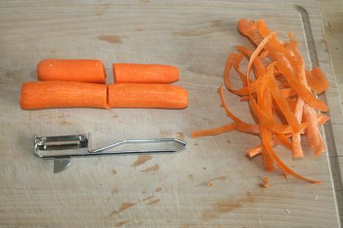 27 - Möhren schälen / Peel carrots
