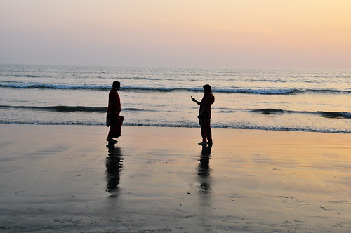 sunset sea beach reflections nikon women waves 28 bangladesh michał coxsbazar nikkor1755mm pachniewski