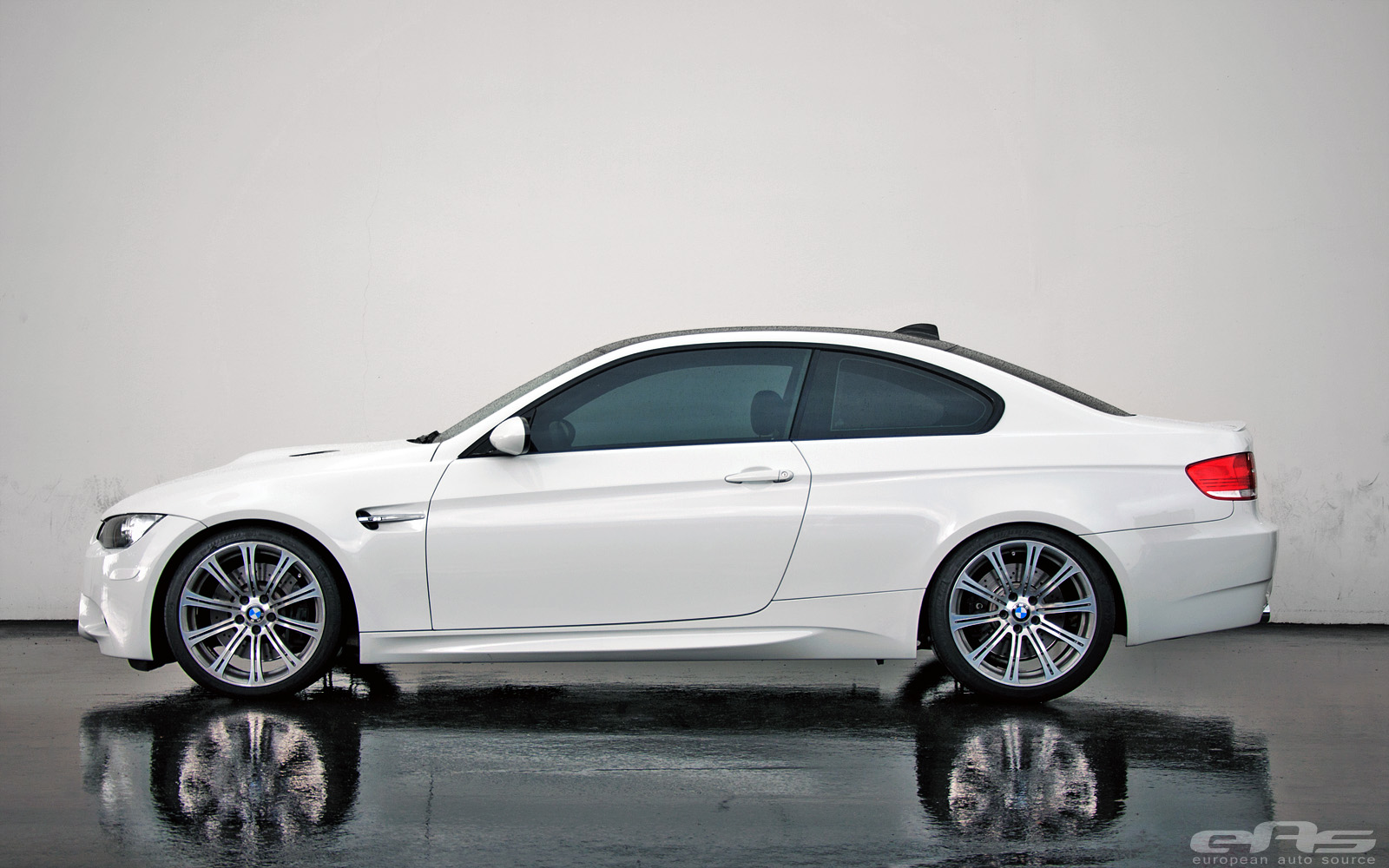 Alpine White E92 M3 Lowered on Swift Springs