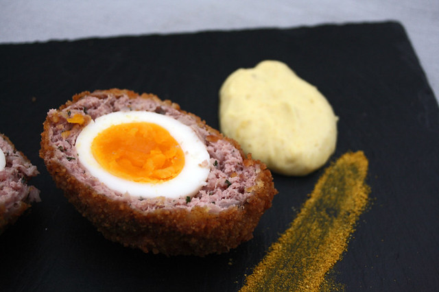 8544252241 c11e004c1e z Scotch eggs et salad cream au curry