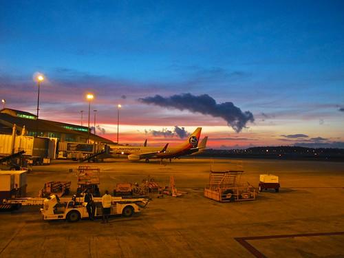 sunrise flying trinidad caribbean portofspain b737 airjamaica takenatwork