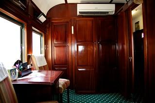 Rail sleeper cabin