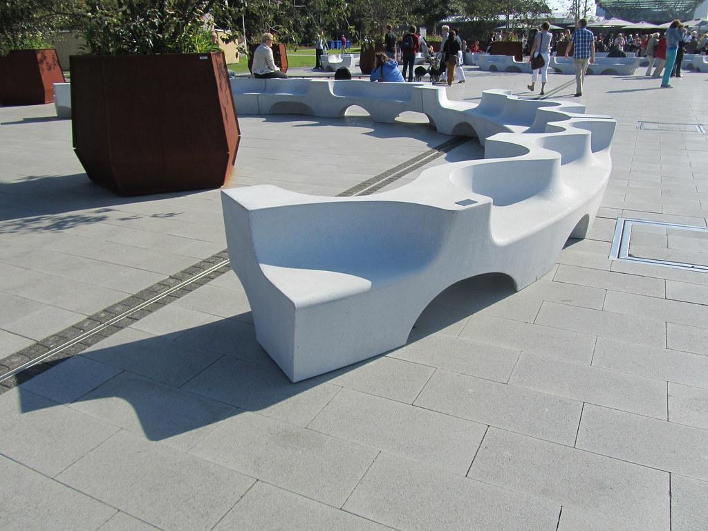 Design Bank Wit.Design Bank Venlo Floriade Een Bank Van Een Halve Cirkel Flickr