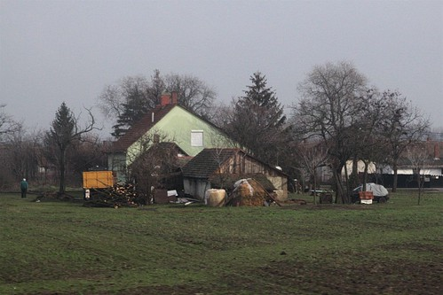 Another farm house out in the Hungarian countryside