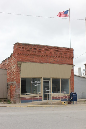 Post Office - Forest City, MO