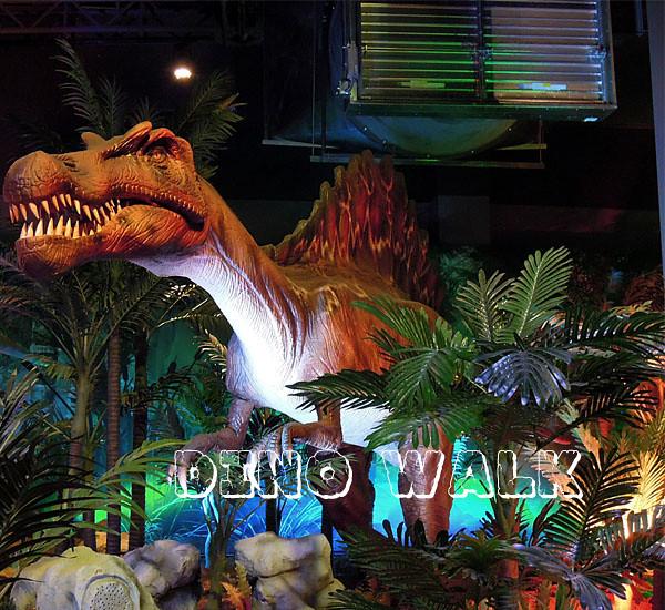 Animatronic Spinosaurus in the exhibition