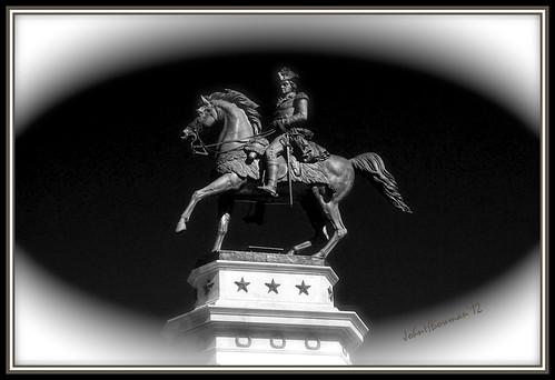 bw virginia statues richmond april 2012 capitolsquare washingtonstatue nrhp memorialsmonuments canon241054l april2012