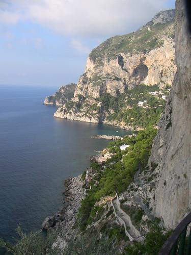 45064350-cliffs