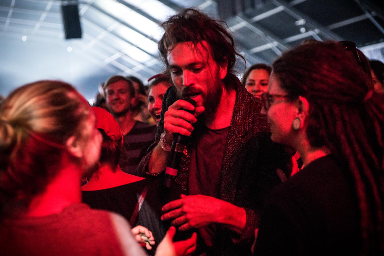 Edward Sharpe & The Magnetic Zeros @ Pukkelpop 2016 (Jan Van den Bulck)
