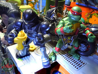 TEENAGE MUTANT NINJA TURTLES - CLASSIC COLLECTION :: RAPHAEL xxi // .. with NIGHTWATCHER '07  (( 2012 ))