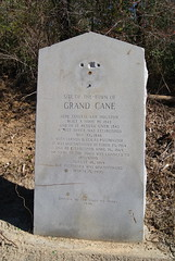 Photo of Vernon B. Lea black plaque