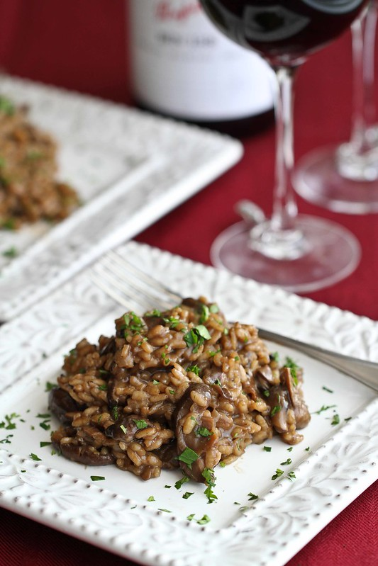 Creamy Mushroom Risotto Recipe & Other Valentine's Day Ideas #recipe #valentinesday