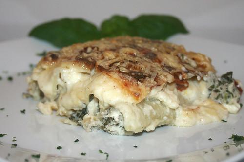 46 - Thunfisch-Cannelloni mit Spinat & Ricotta / Tuna cannelloni with spinach & ricotta - Seitenansicht
