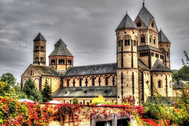 Bezienswaardigheden Eifel Top 10 - Nr 10 Abdij Maria Laach en Laacher See