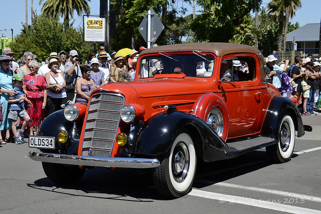 Napier Art Deco Vintage Car Parade 2013