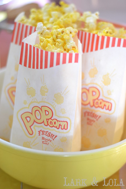 Popcorn in Pyrex