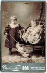 0195 Children with dolls
