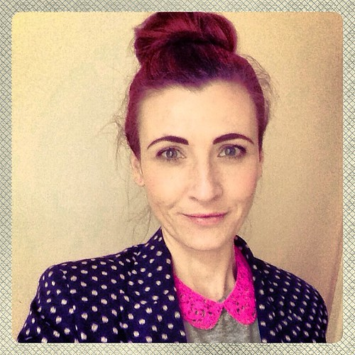Polka dots & a neon pink collar necklace