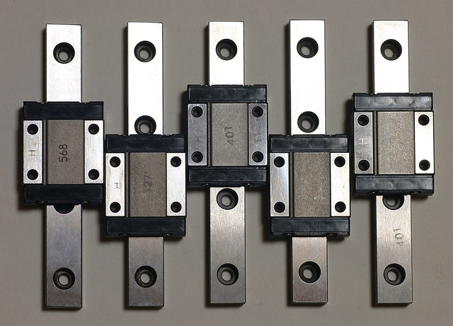Linear guide for third lot