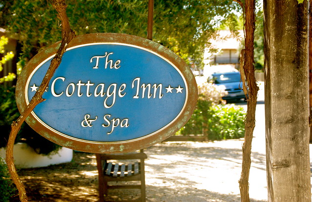 cottage inn and spa sign