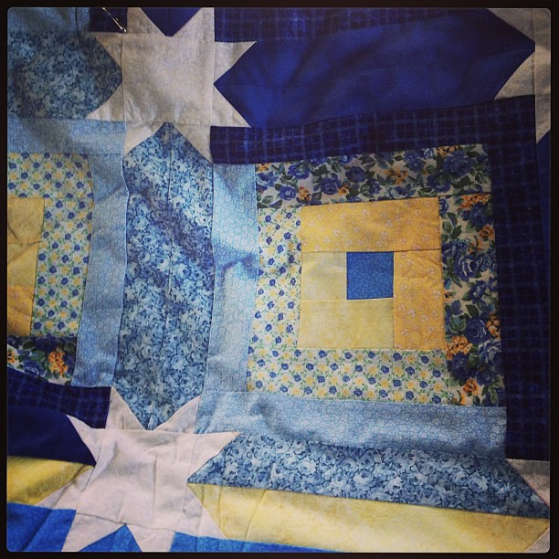 Writing a post about my 6 Quilts This Year goal. This one = made by mom, 12 years ago, just waiting for my handquilting.