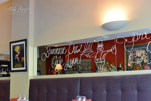 Bienvenue Chez Cafe Lyon - Mirror