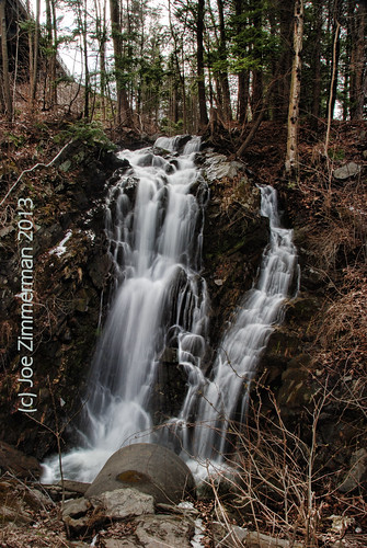 waterfall vermont falls waterfalls roadside unnamed drainpipe brattleboro vt drainage dummerston route30 highway30 brattleborovermont westriverroad foundfalls vermontdreams